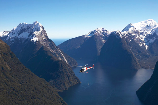 Scenic flight above Milford Sound
