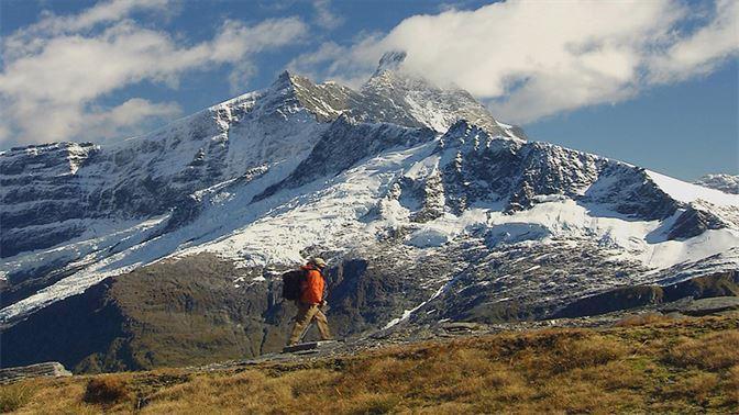 Hiking in Mt Aspiring National Park